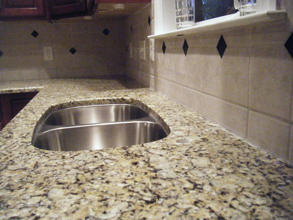 Kitchen sink and slab cleaning